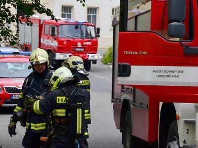 Cvičný požár v Domově Harcov prověřil liberecké i jablonecké hasiče