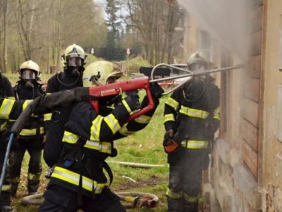 Krajští hasiči se učili ovládat Cobru