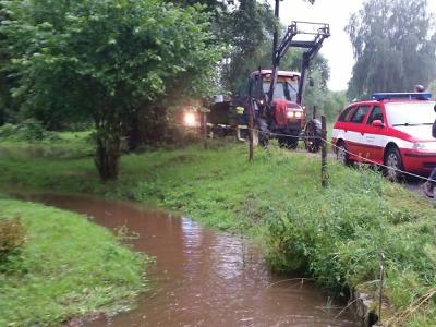 Řeky v kraji přestaly stoupat, hasiči tak přečkali noc bez čerpání
