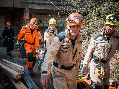 Kynologové libereckých hasičů se zúčastnili mezinárodního cvičení USAR