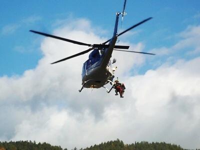 Vrtulníky křižovaly údolím Jizery a Mohelky