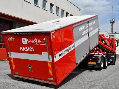Krajští hasiči nově disponují kombinovaným hasicím kontejnerem