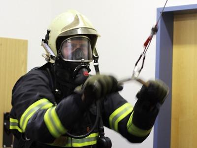 Připravenost hasičů naplno prověřuje jablonecký polygon