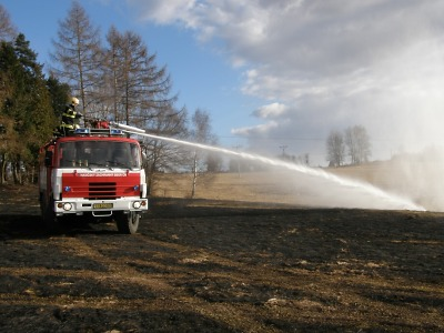 Hasiči varují před jarním pálením