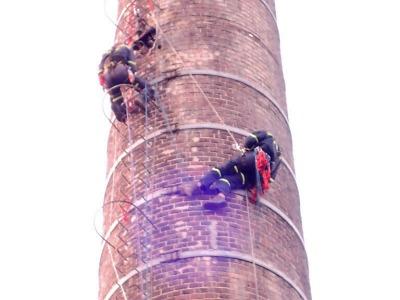 Hasiči z Liberce a Jablonce zasahovali na komíně v Bulovce