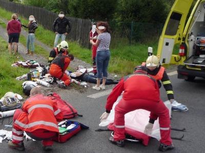 O víkendu zasahovali hasiči u mnoha nehod, k větší došlo ve Zlaté Olešnici