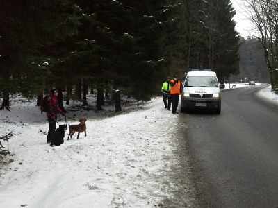 Policie a hasiči pátrají po ztracené ženě z Rychnova