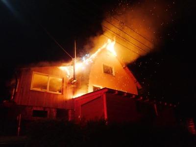 Hořela střecha rodinného domu v Tanvaldě