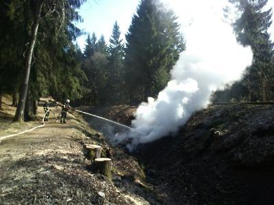 Série požárů lesů a travního porostu na Jablonecku pokračuje