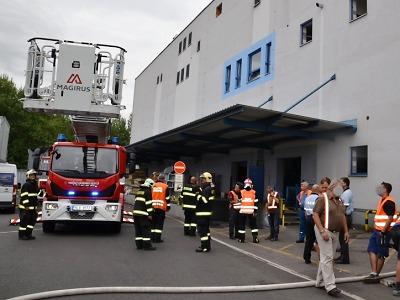 U požáru odsávání v liberecké hale zasahovalo osm jednotek hasičů