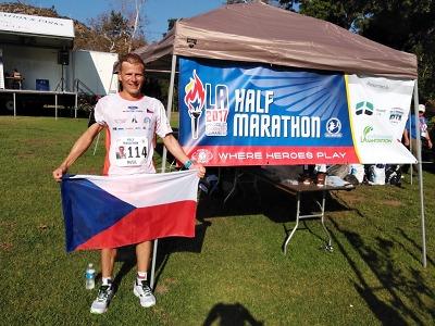 Liberecký hasič Radek Musil doběhl šestý na půlmaratonu v Los Angeles