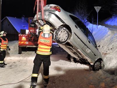 Sníh komplikuje nadále dopravu v Libereckém kraji