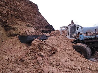 V Křižanech se stala tragická nehoda traktoristy při práci se siláží