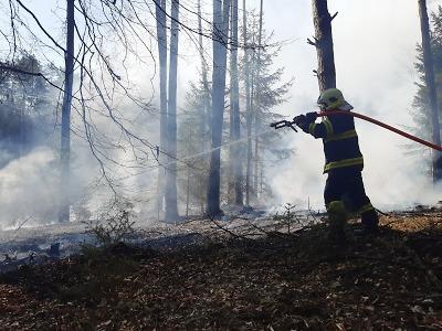 Během víkendu řešili hasiči v Libereckém kraji dvanáct požárů