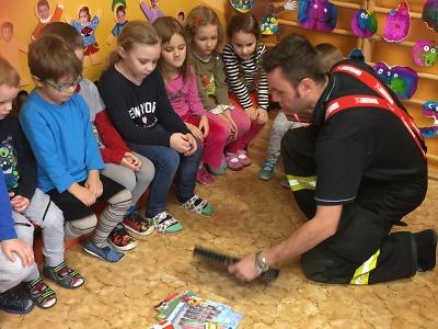 Maršovičtí hasiči opět dělali radost dětem