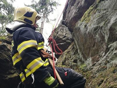 Hasiči z Tanvaldu cvičili na laně v rámci odborné přípravy