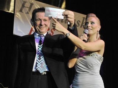Benefiční hejtmanský ples přispěje na sedm potřebných přes 700 tisíc