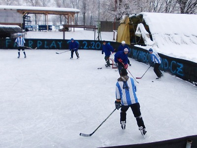 Na zásadském ledě se podeváté utkají o putovní pohár