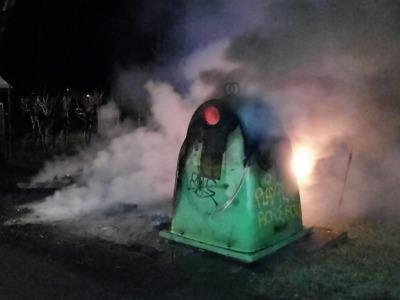 Kontejnery v Jablonci někdo zřejmě zapálil úmyslně