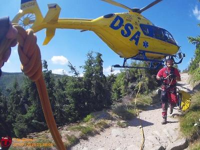 Horská služba zachraňovala zraněného turistu nad Obřím dolem
