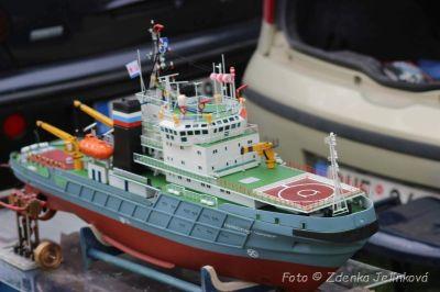 Lodní modeláři ovládli na celý víkend novoveské koupaliště