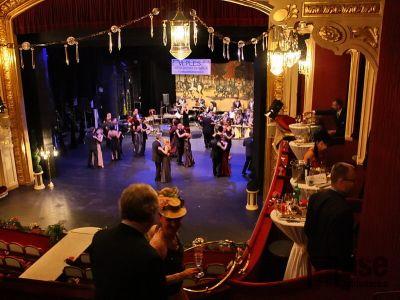 Obrazem: Reprezentační ples divadla