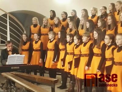 Video: Koncert Iuventus, Gaude! v kostele sv. Anny