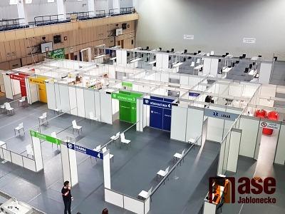 Očkovací centrum v Jablonci rozšířilo kapacitu i provozní dobu