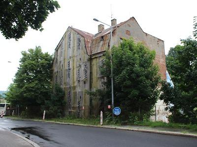 Dům v Lipanské ulici v Jablonci půjde k zemi