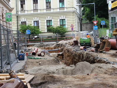 Přestávka na stavbě u Centrálu v Jablonci je nutná kvůli technologiím