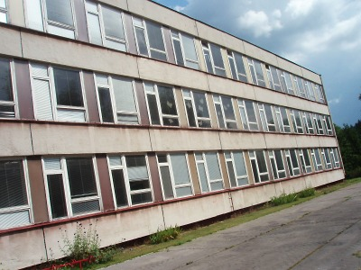 Azbest je pryč, v jablonecké ZŠ Arbesova začnou vyměňovat okna