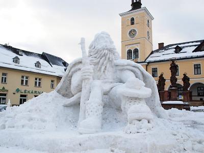 V Jilemnici je opět k vidění obří sněhový Krakonoš