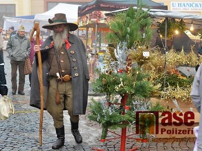 Jilemnický vánoční jarmark opět navštívil i Krakonoš