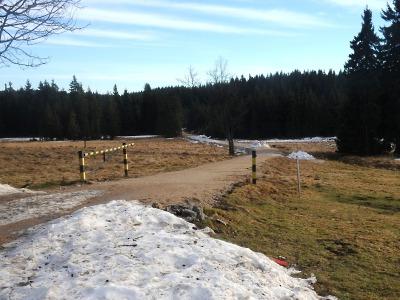 Polovina trati je bez sněhu, vysvětlil odvolání Jizerské 50 Martin Koucký