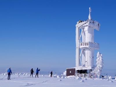 Na nejvyšší horu Jizerských hor opět vede opravený Nebeský žebřík