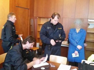 Policisté kontrolovali cizince v objektu jablonecké čokoládovny