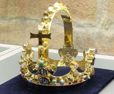 Kopii koruny Karla Velikého vystavuje klenotnice turnovského muzea