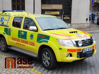 Po nehodě dvou aut u Železného Brodu jsou čtyři zranění