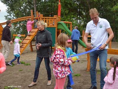Obrazem: V Maršovicích otevřeli nové dětské hřiště