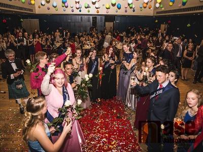 Obrazem: Maturitní ples SUPŠ Jablonec