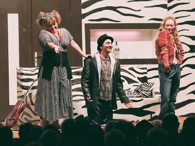 Sedmihorské léto odstartovalo tříhodinovým hereckým happeningem