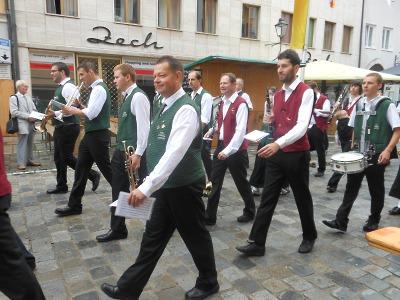 Mladá dechovka hrála v Německu před zraky bavorského premiéra