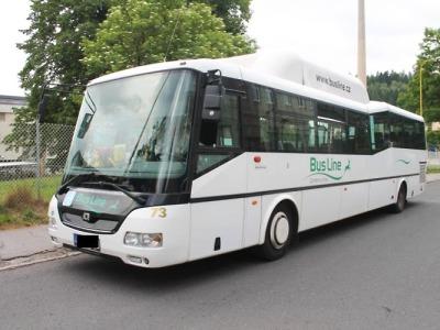 Policisté hledají svědky nehody autobusu s neznámým vozidlem
