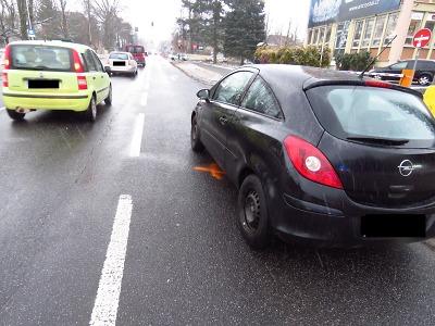 Chodkyně přebíhala v Jablonci silnici mimo přechod a srazilo ji auto