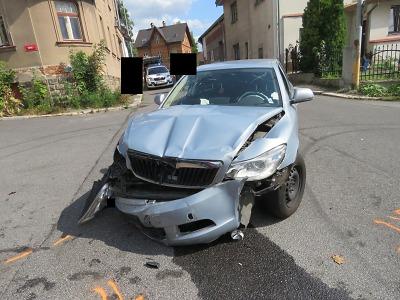 Na jablonecké křižovatce ulic Růžová a Sokolí došlo k nehodě