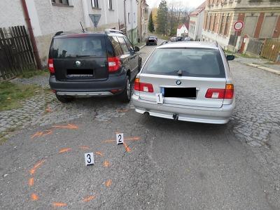 Řidič při couvání v jablonecké ulici Raisova srazil chodkyni