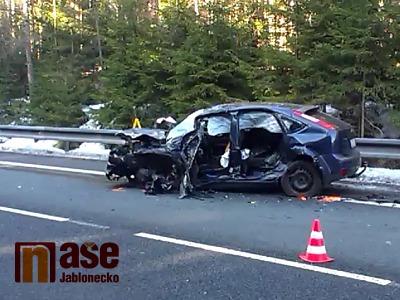 Video: Vážná nehoda blokovala příjezd do Jablonce