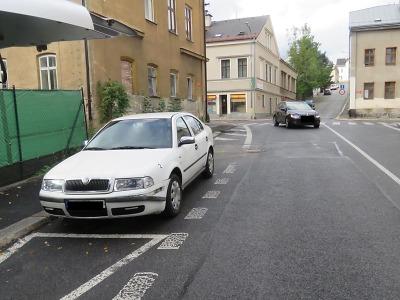 Policisté hledají svědky nehody v jablonecké ulici SNP
