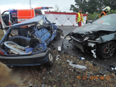 Při nehodě čtyř aut v Krásné Studánce zemřel jeden člověk