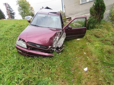 Řidič havaroval v Lučanech v noci, ale nehodu oznámil až ráno